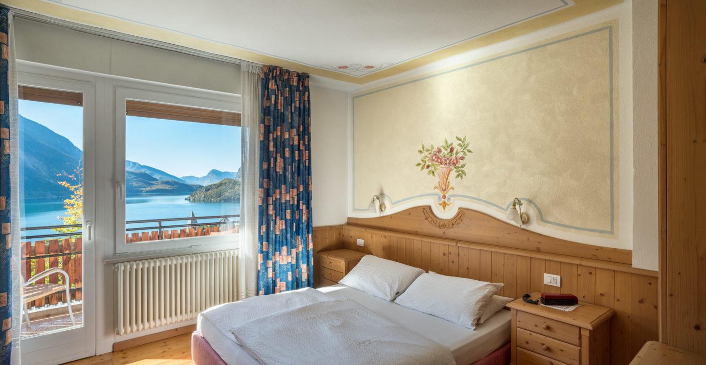 Hotel Londra Molveno-camere-con-vista
